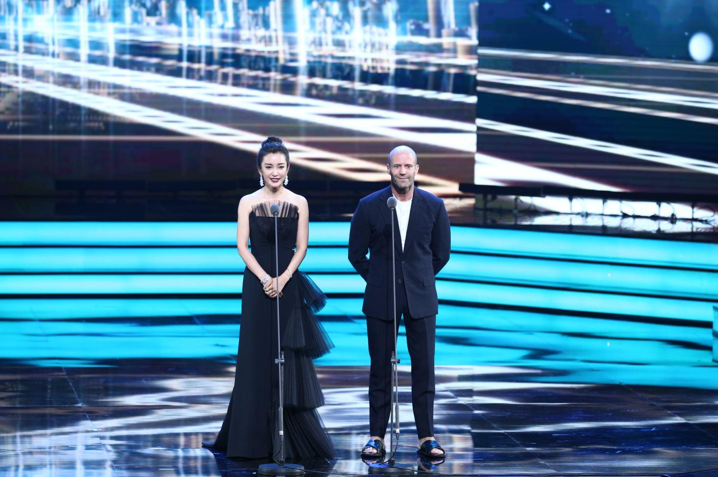 上海国际电影节 | 杰森·斯坦森携手李冰冰亮相