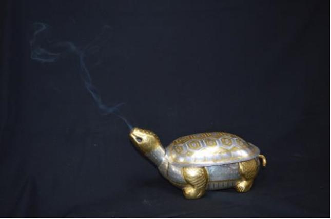"""唐鎏金银龟盒(复制)通过燃香实验论证后验明正身成为""""唐鎏金银龟香炉""""。.jpg"""