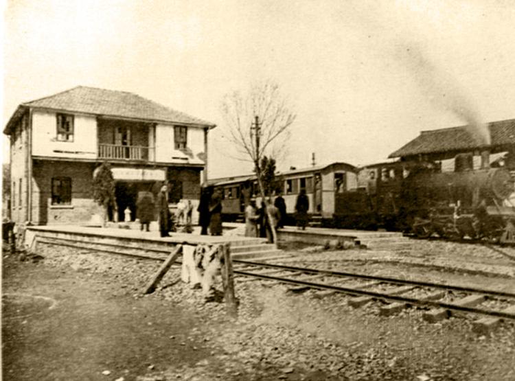 01对比a-00013民国轻便铁路上南线的周家渡始发站h_副本.jpg