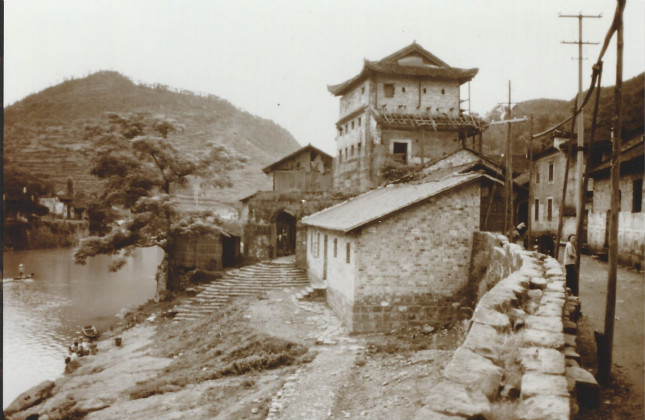 图片11980年代的凤凰县 - 副本 - 副本_meitu_3.jpg