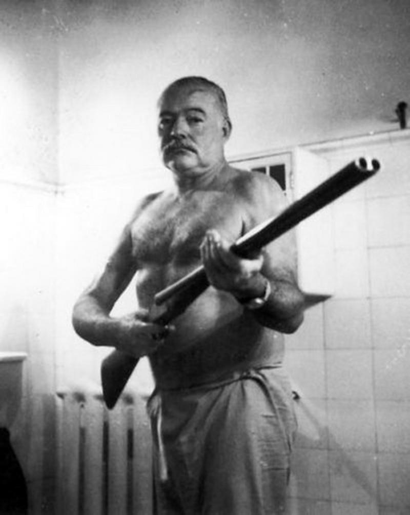 文汇记忆 | 1941年,海明威在中国杀鬼子