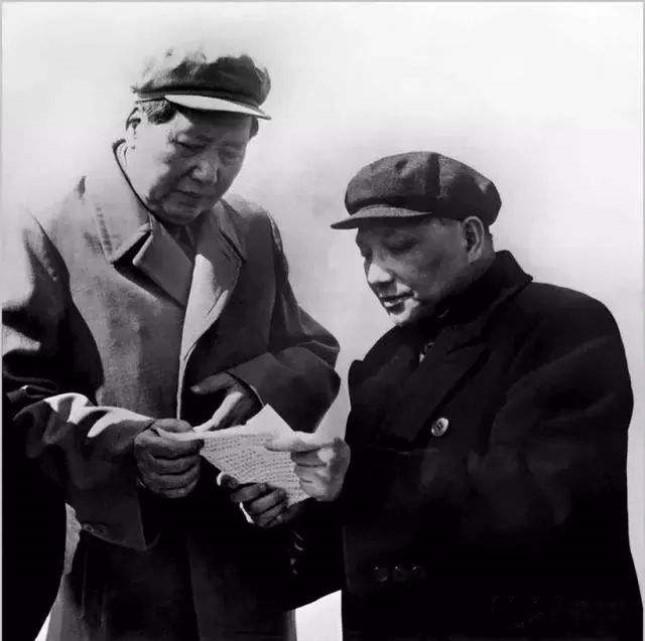 毛泽东和邓小平.jpg