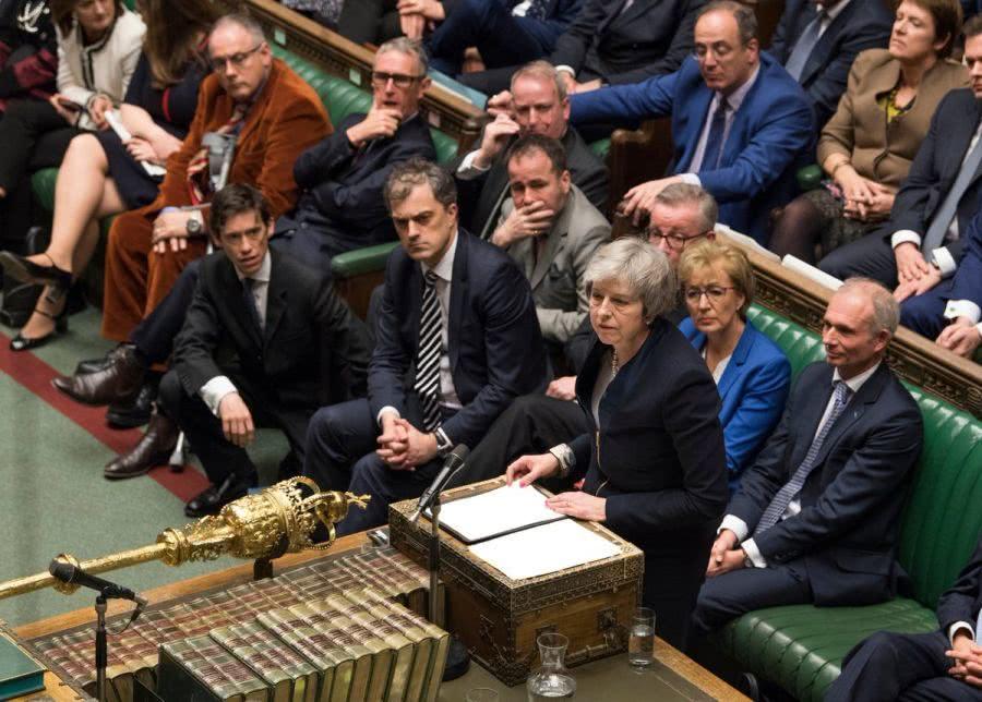 """当地时间1月15日报道,当天,英国议会下院以432票比202票否决了政府此前与欧盟达成的""""脱欧""""协议.jpg"""