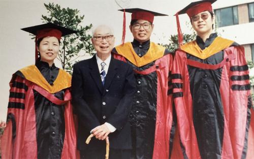 1991年程千帆和他的第二届博士生(右二为本文作者).JPG