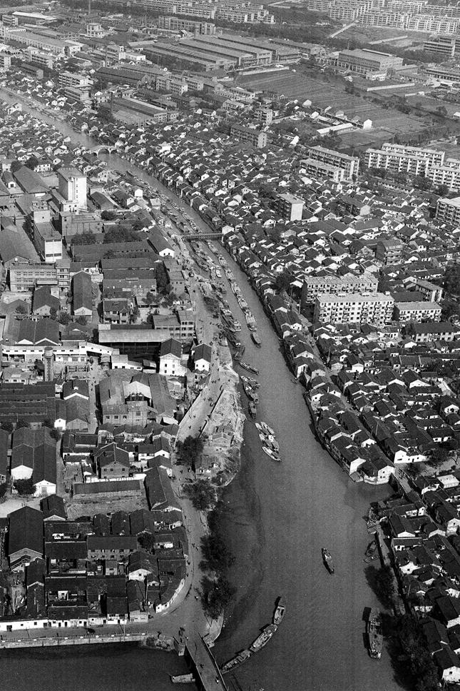 (1980)千年古运河穿城而过_副本_副本.jpg