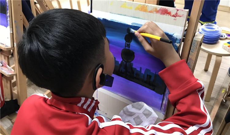 老挝少年画画.jpg