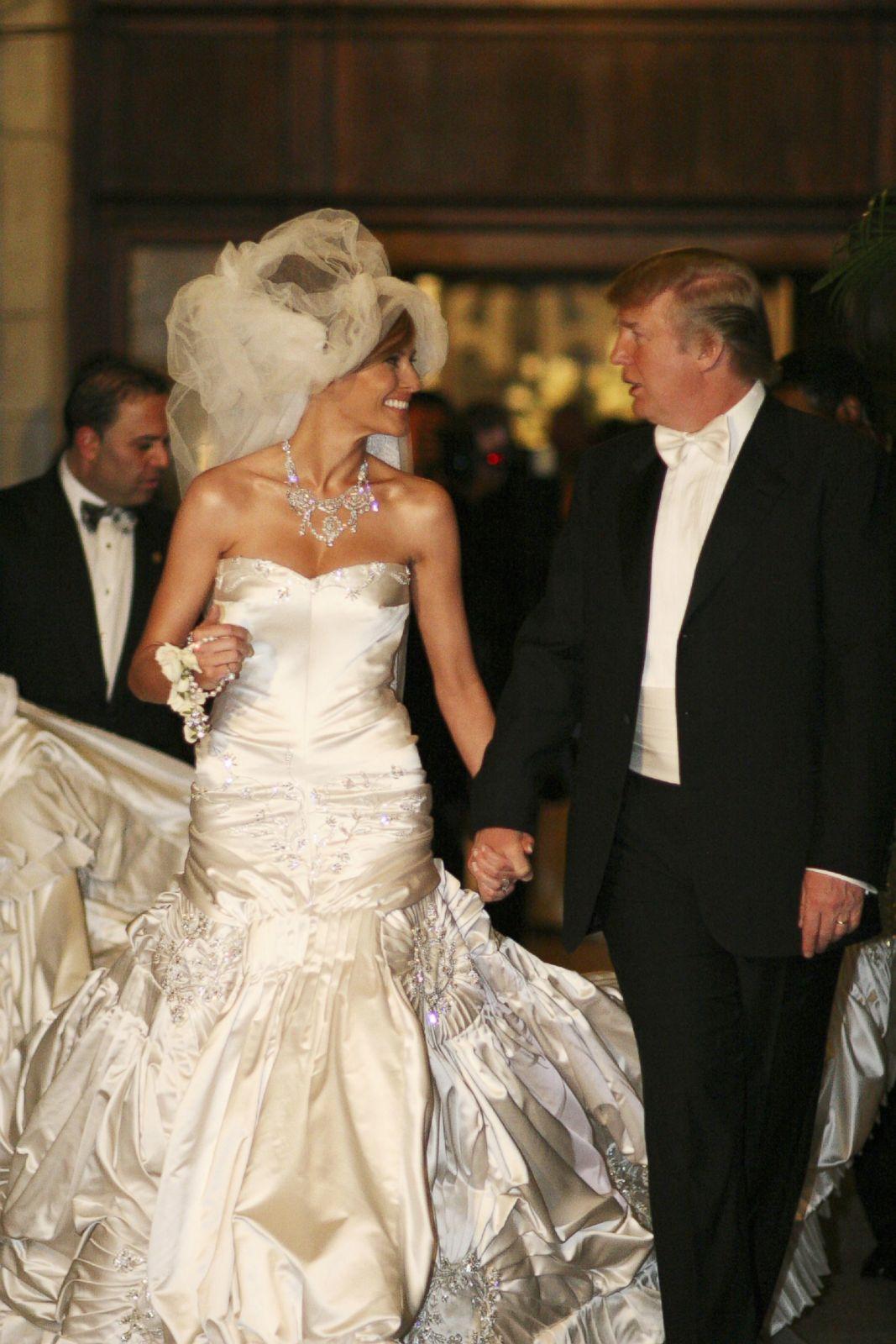 GTY-melania-donald-trump-wedding-170118_2x3_1600.jpg