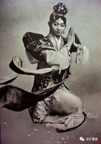 梅兰芳在日本演出《天女散花》.jpg