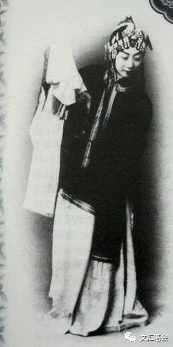 梅兰芳在日本演出《御碑亭》.jpg
