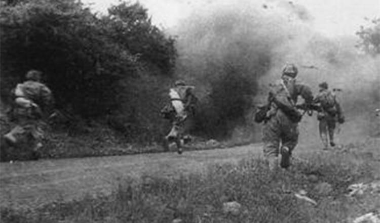 志愿军第39军在云山向美军骑兵第1师发起猛攻.jpg