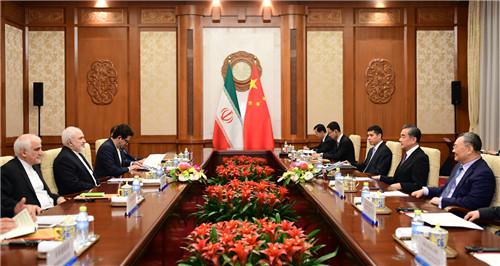 王毅应约同美国国务卿蓬佩奥通电话:我们敦促美方不要走得太远