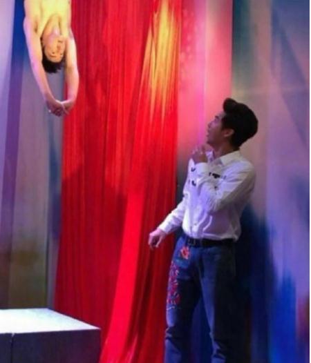 有种惊喜叫田亮的蜡像,帘子拉开的一刹那,自己都被吓到了