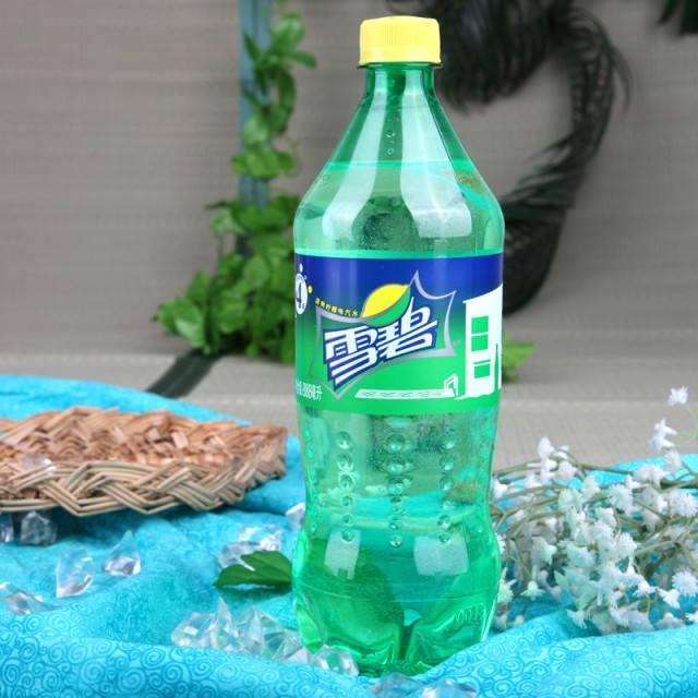 雪碧将把标志性绿瓶变全透明 将在塑料瓶中采用50%的可再生塑料