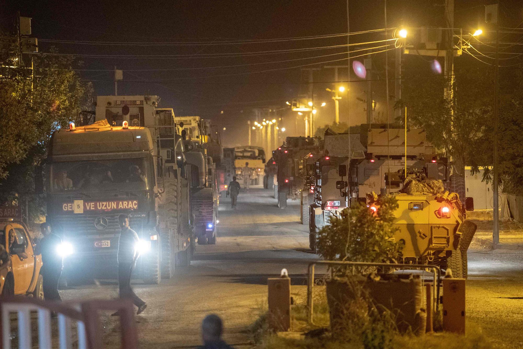 (外代一线)(4)土耳其军队在土叙边境集(3079886)-20191010002247_副本.jpg
