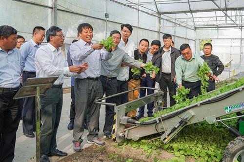 让传统农业种植插上机械化、信息