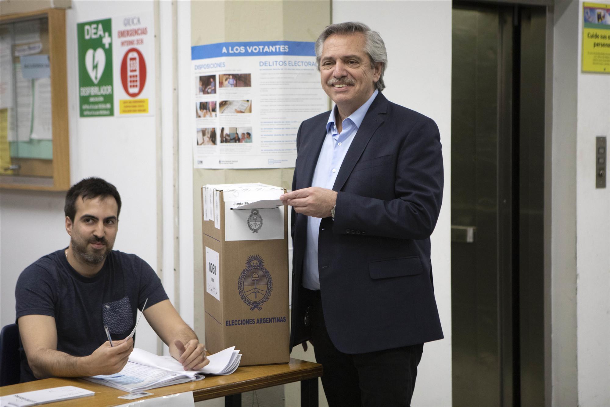 (國際)(1)費爾南德斯當選阿根廷總統(3136019)-20191028234953_副本_副本.jpg