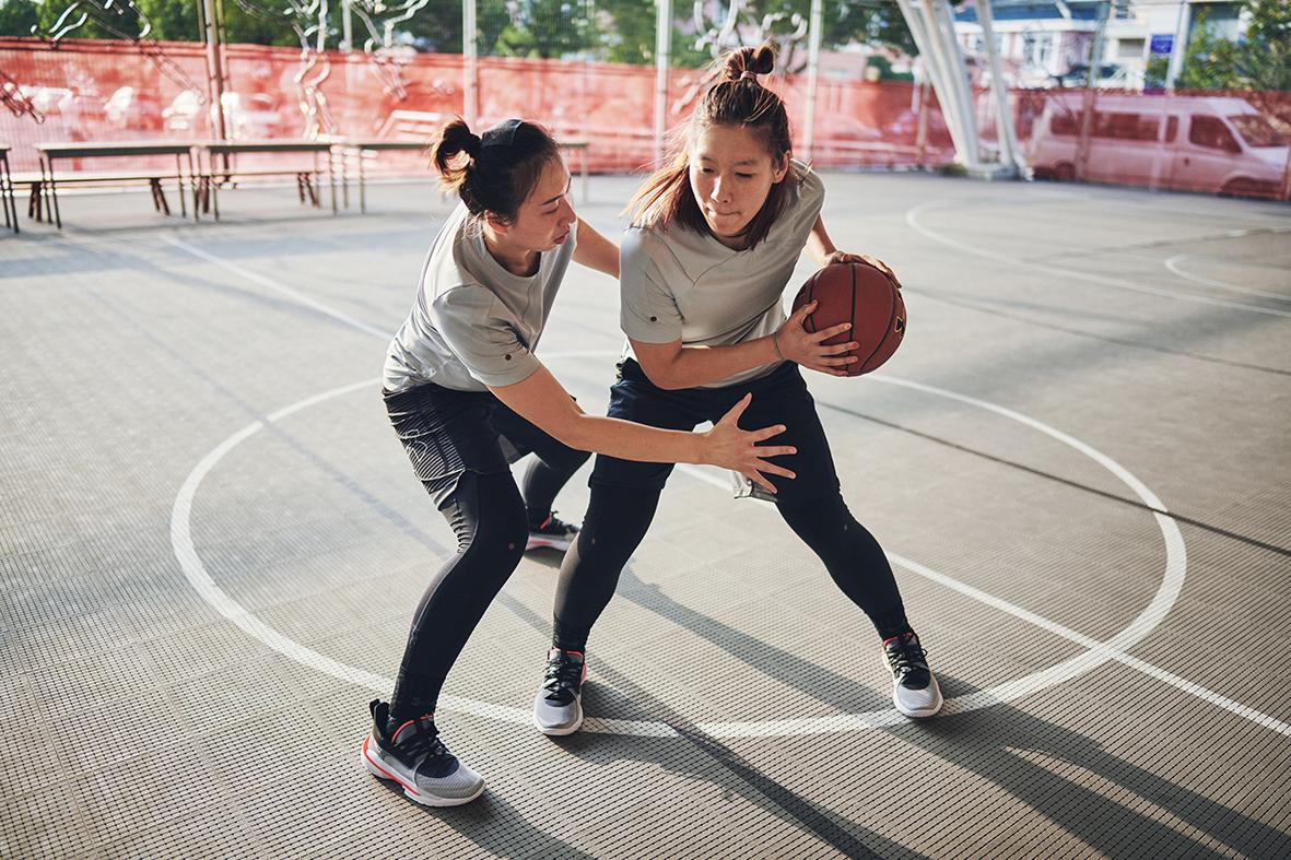 图片9-中国三人篮球国家队女队穿着Curry 7.jpg