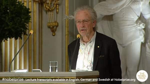<strong>彼得・汉德克在瑞典文学院发表演</strong>