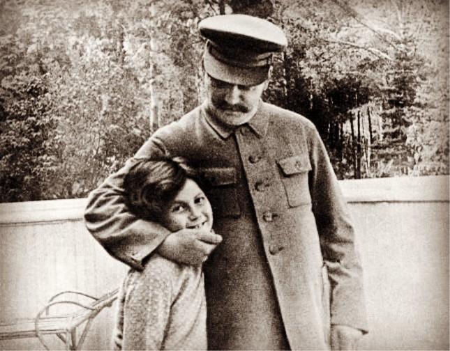 斯大林和女儿1.jpg