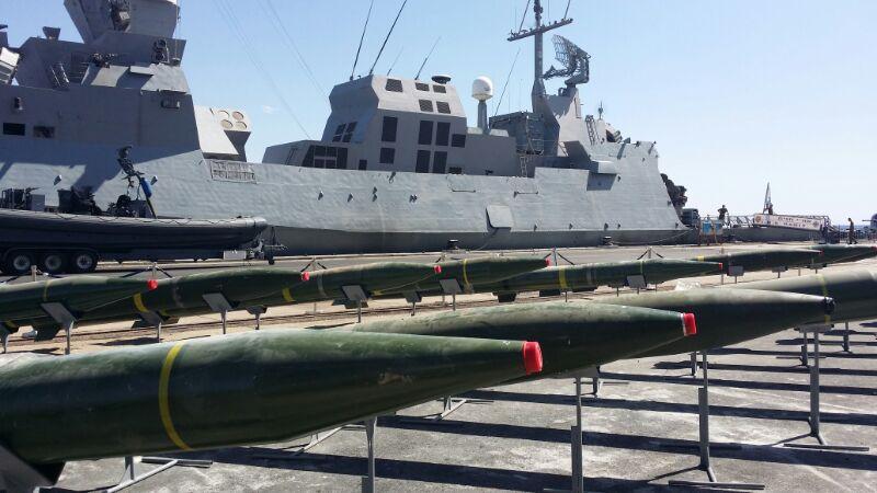 以色列海军在一艘开往加沙地带的船上发现据称来自伊朗的火箭弹,并将其没收(以色列国防军提供).jpg