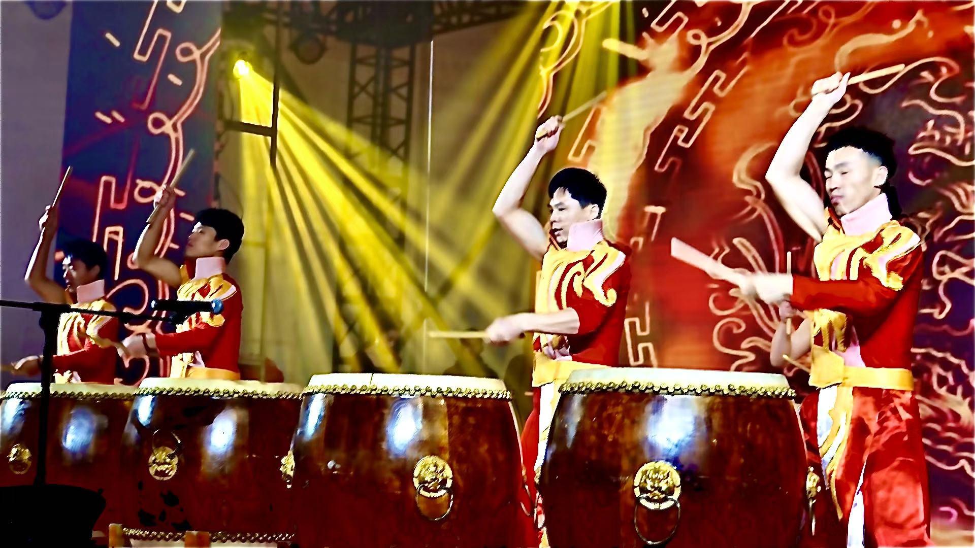 村民自编自导自演,沪上近40场乡村春晚热闹迎新年 | 新春走基层