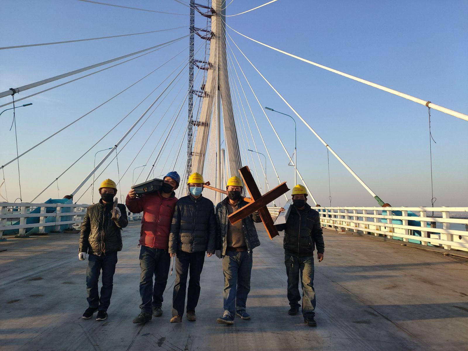 沪通长江大桥开始复工建设