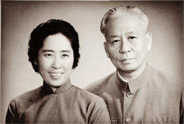 刘少奇和王光美.jpg