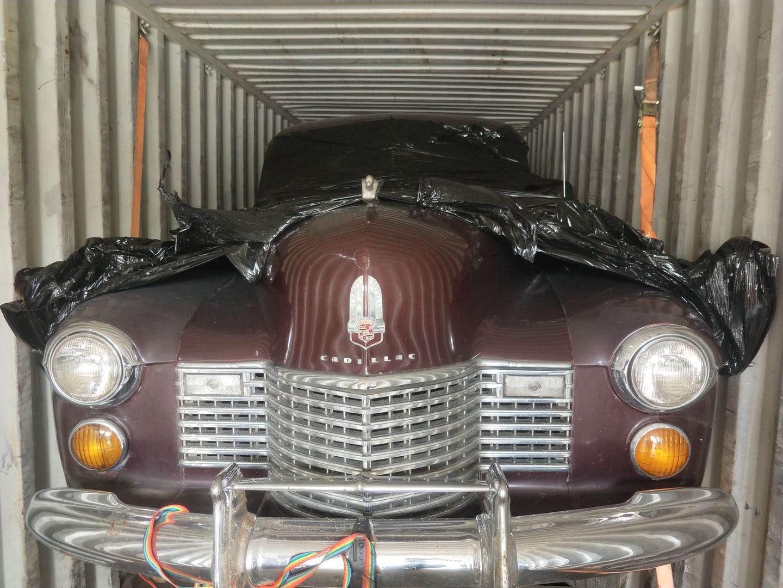 车在集装箱里1.jpg
