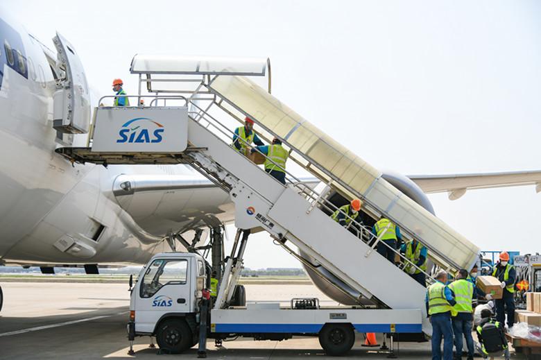 机场货运协同联检单位为物资运输提供安全高效保障7.jpg