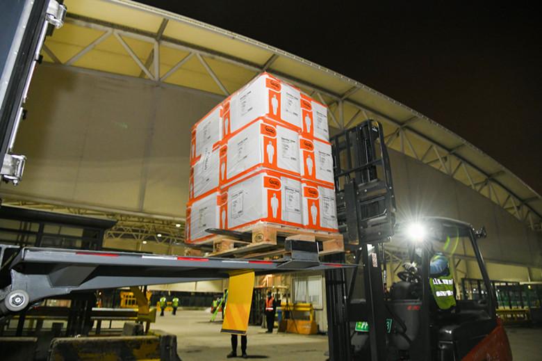 机场货运协同联检单位为物资运输提供安全高效保障1.jpg