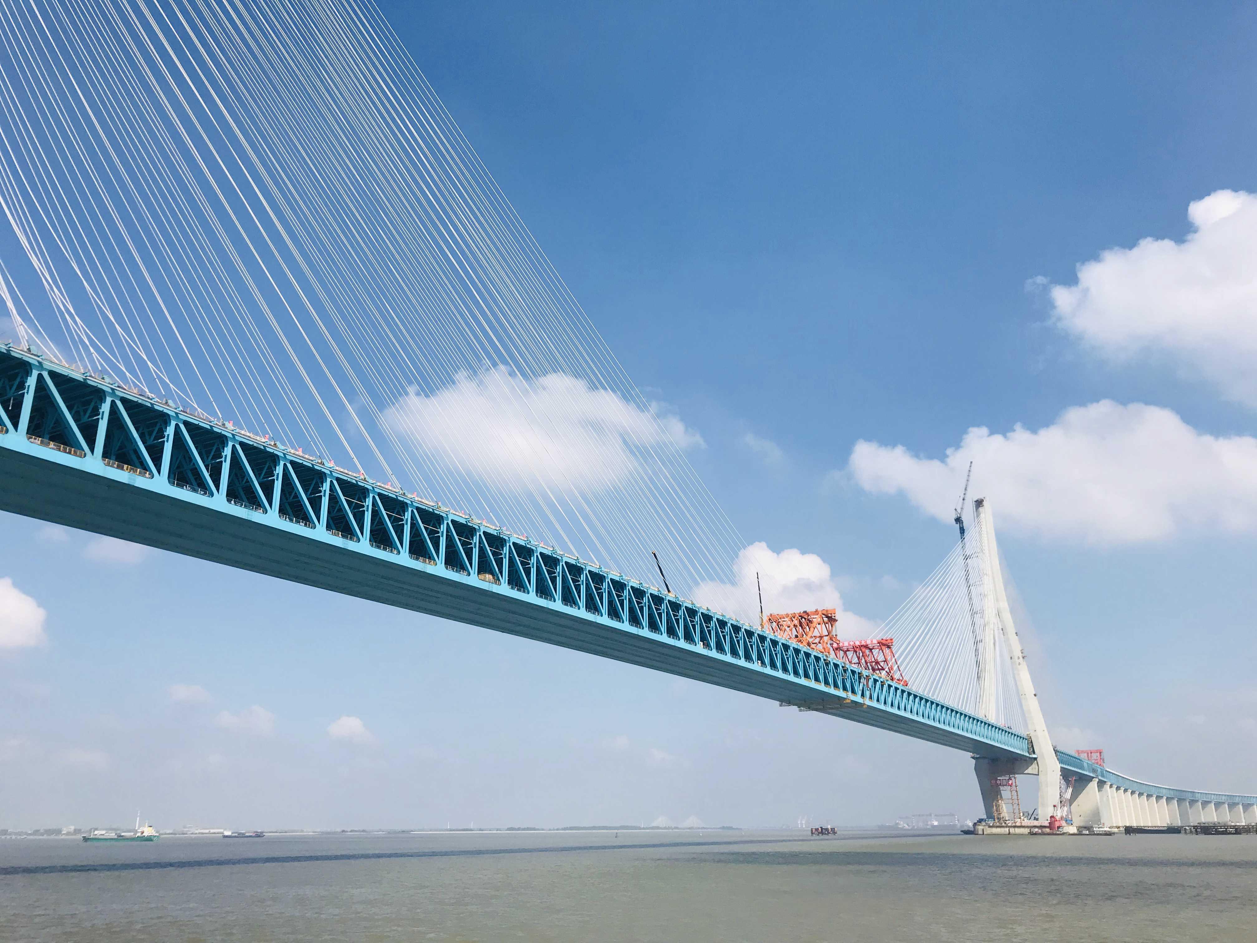 沪通大桥-2.jpg