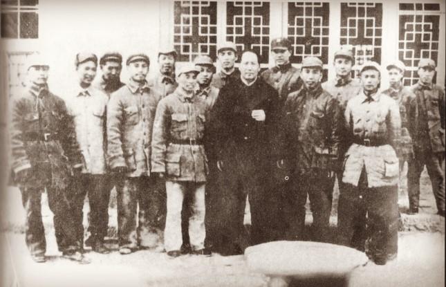 1937年,红军总部特务团一部在陕西富平县改编为国民党革命军第八路军.jpg