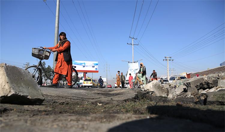 (国际)(3)阿富汗首都喀布尔发生炸弹袭(4688417)-20210430021858.JPG