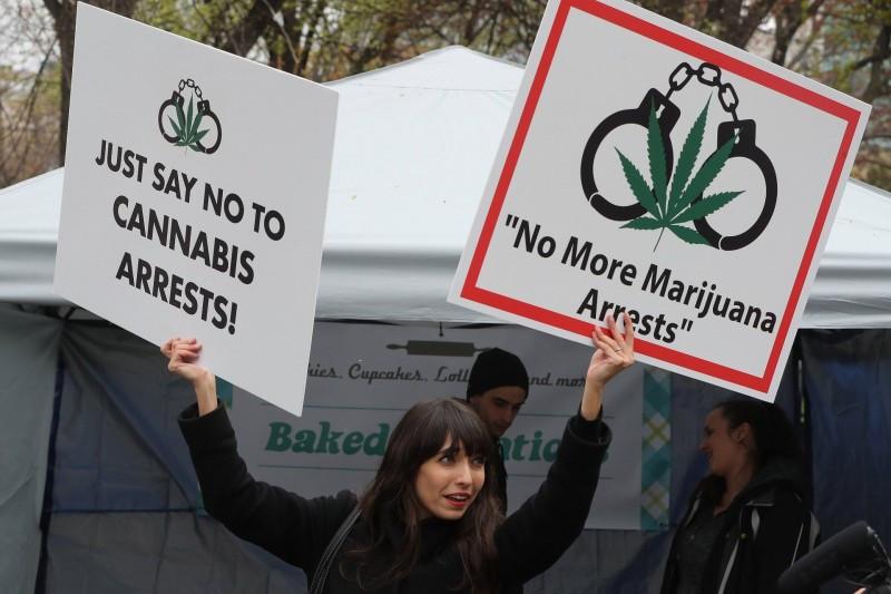 """加拿大大麻合法化吸引中国游客""""体验""""?了解这些背景,切勿以身试法,害人害己!"""